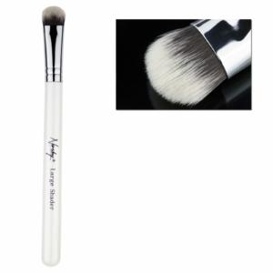 Brush for smokey eye look