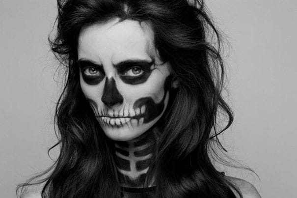 Skeleton makeup look